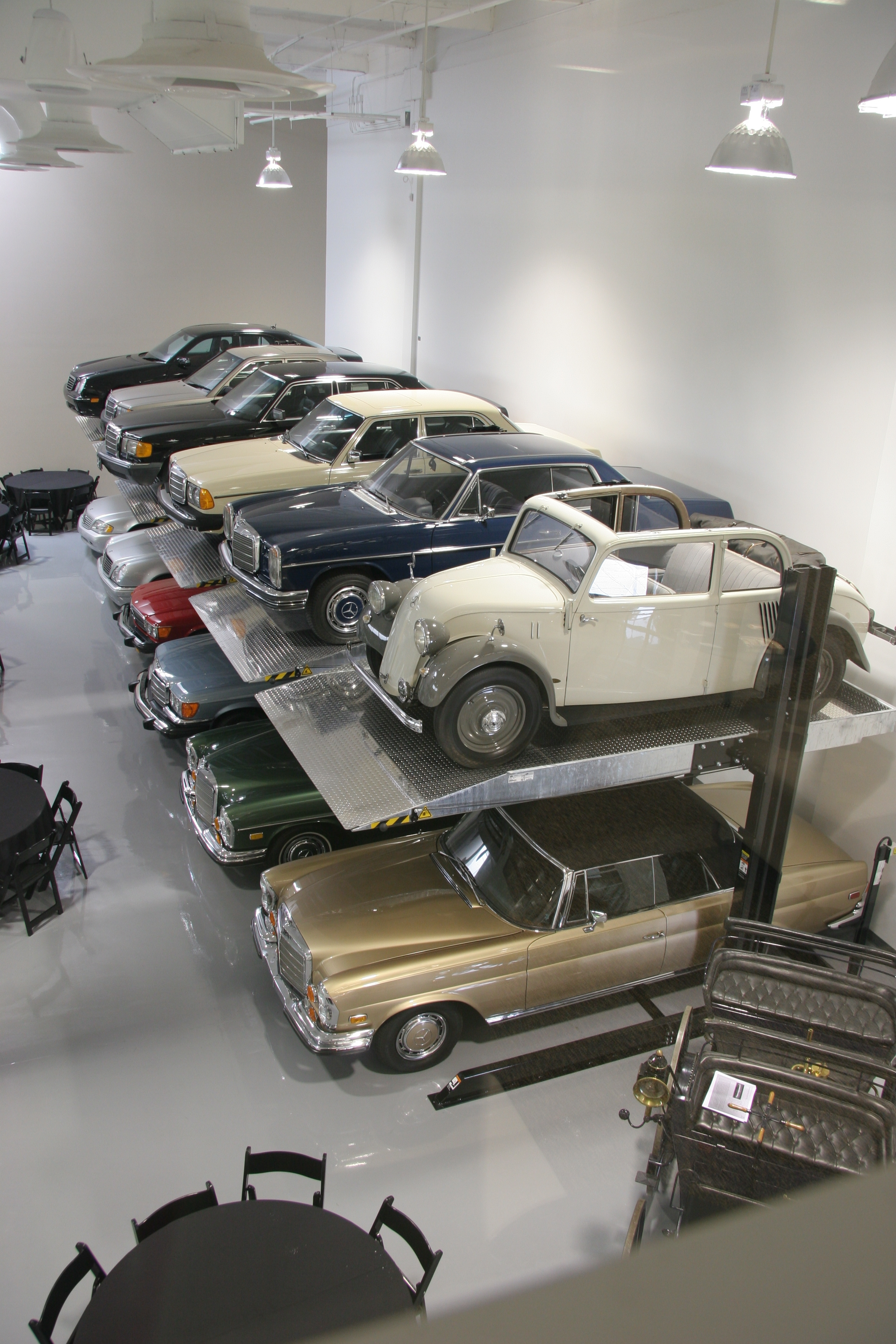Cool car places mercedes benz classic center irvine ca for Mercedes benz classic center germany