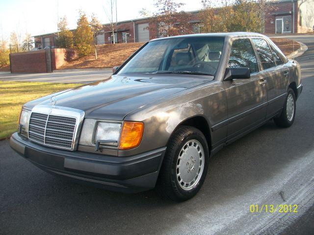 1986 mercedes benz 300e extraordinarily clean everyday for Mercedes benz 1986