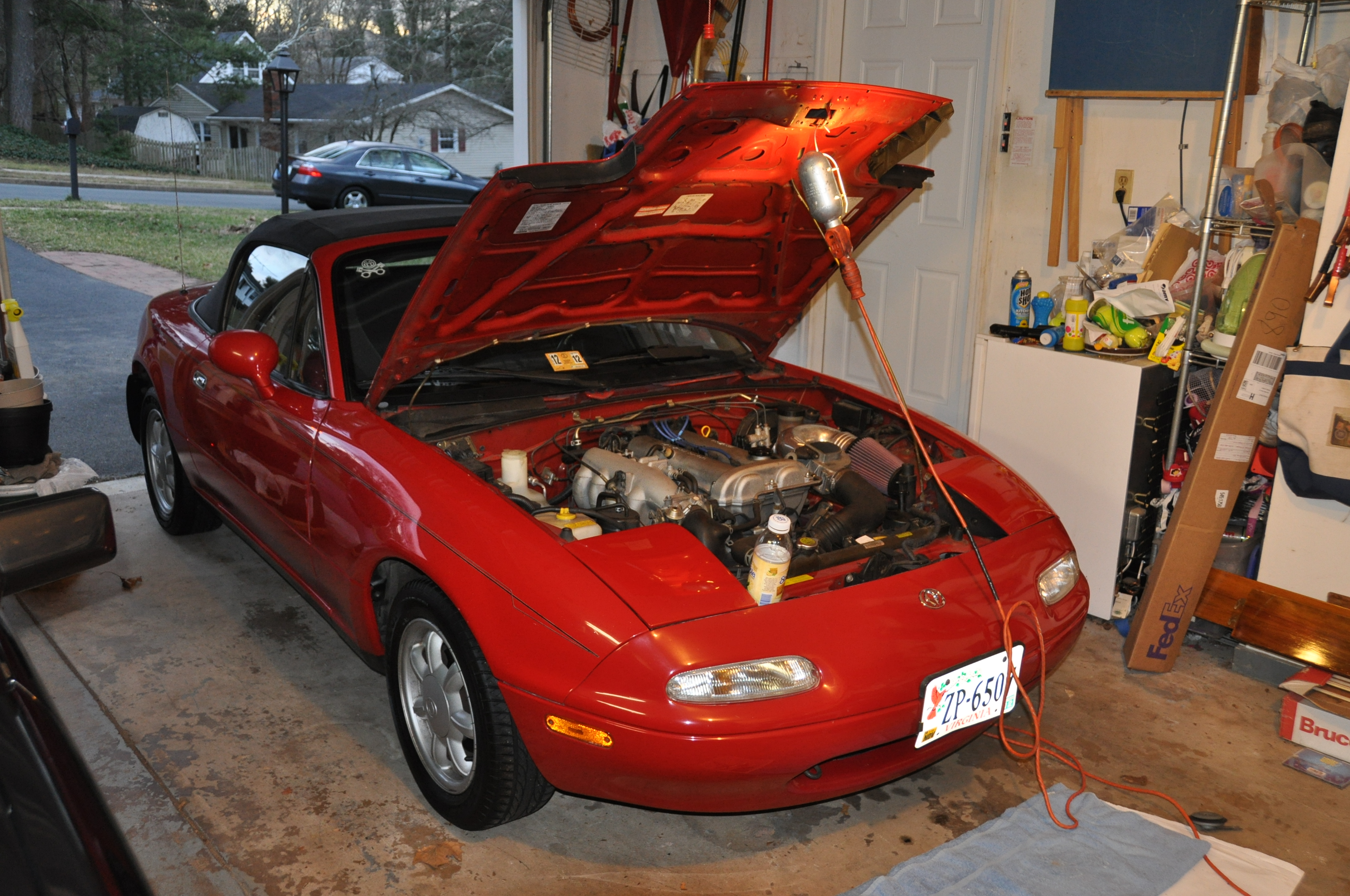 dsc_5968 garage corner 1993 mazda mx 5 miata sound off! totally that fuse box location in a 1993 mazda miata at beritabola.co