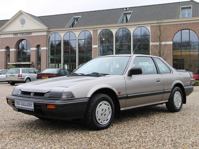 1985 honda prelude ex disposable sports car 10