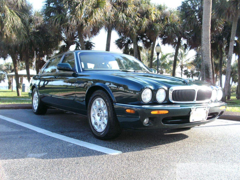 V8 2001 XJ8
